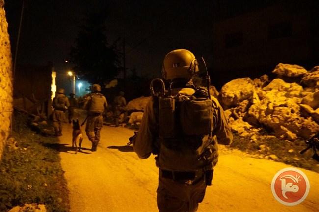 10 Palestijnen opgepakt
