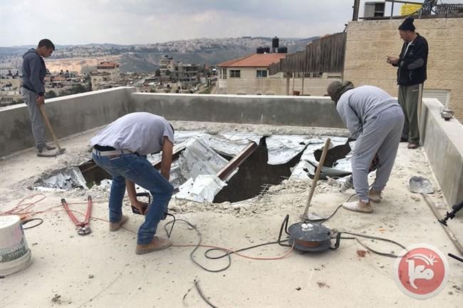 Beit Hanina eigen dak neer moeten halen2