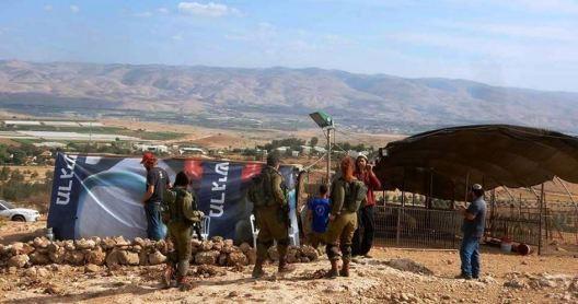 khan-al-ahmar-bedouin-dorp