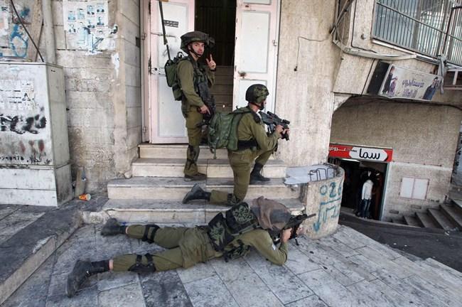 Zios soldaten clash Palestijnse jongeren