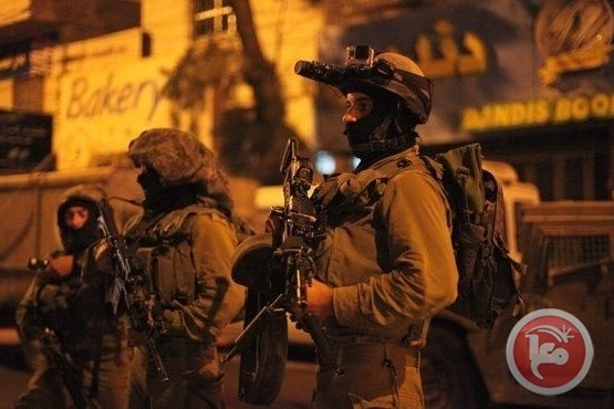 8 Palestinians raids WB