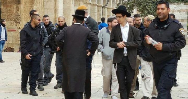 Closing Al-Aqsa