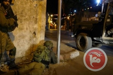 30 Palestinians razzia WB
