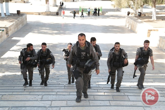 Police at Al Aqsa3