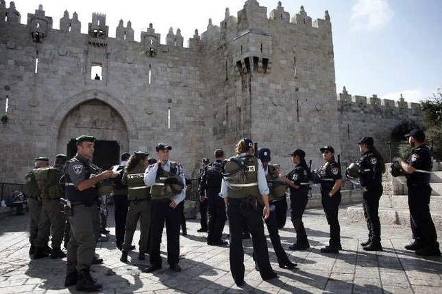 Police in front of Damascus Gate in Jerusalem