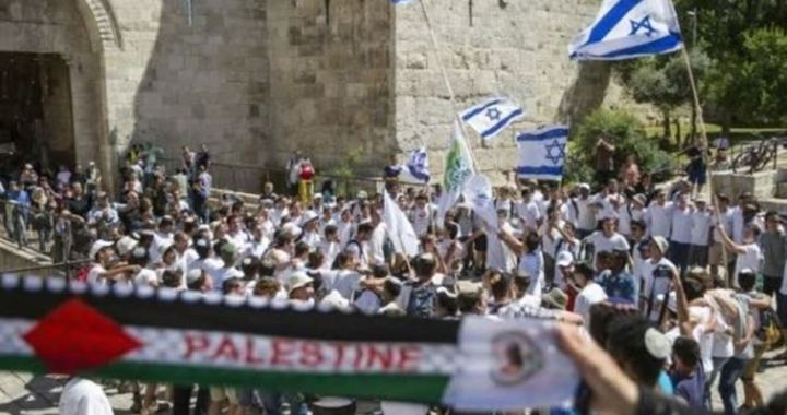 100 settlers break in Al Aqsa