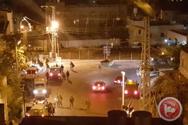 Settlers attack Hebron