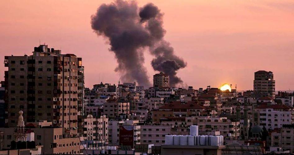 Gaza under attack 3 injured
