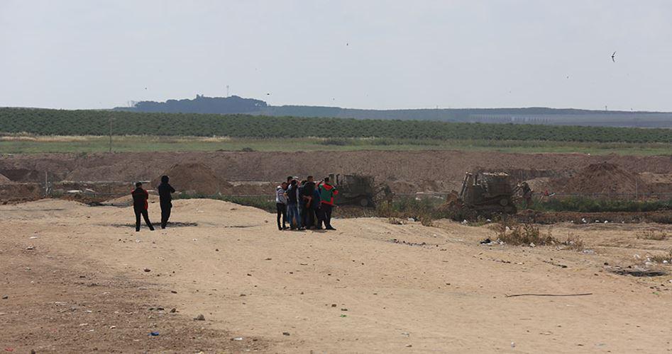 Bulldozers penetrate Gaza